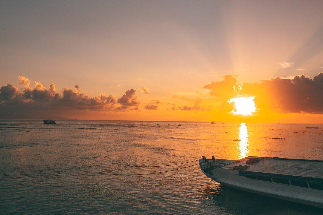 Sunrise at Paradise Beach on Nusa Lembongan Bali