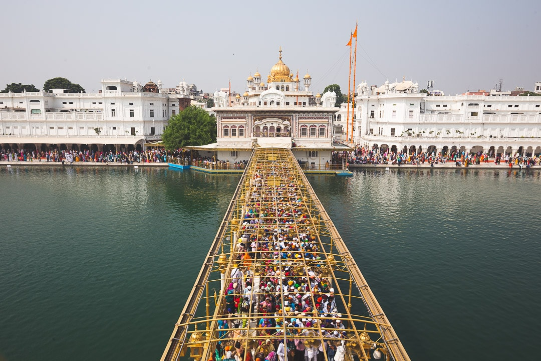 Long line to get into the Golden Temple