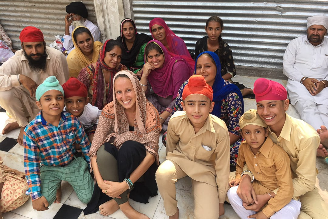 Sindhya with Sikh family at the Golden Temple