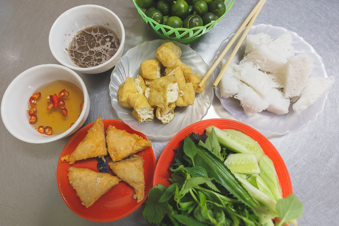 Bun dau mam tom. Vietnamese foods you must try in Hanoi.