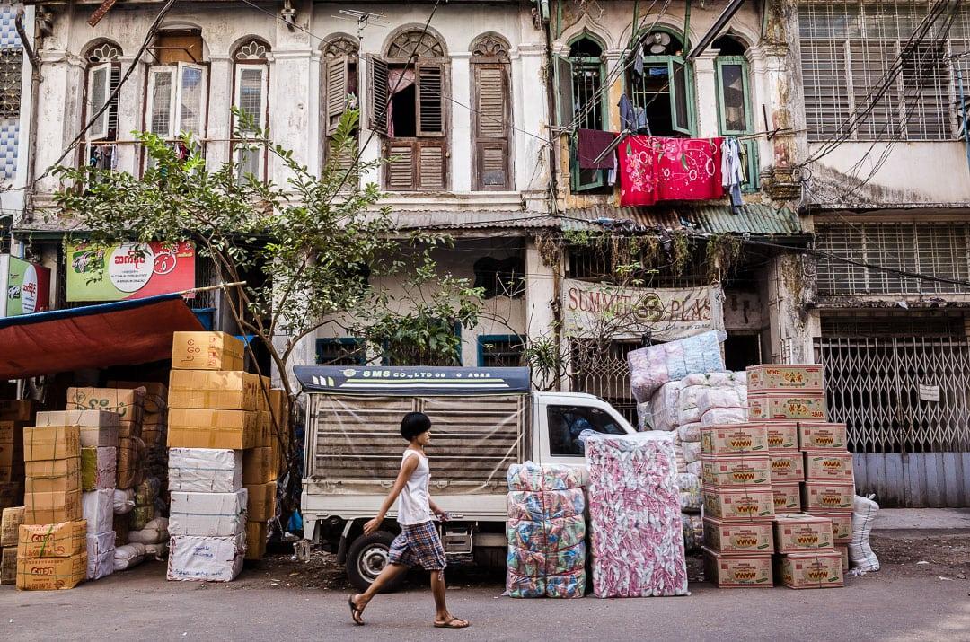 Street scene in downtown Yangon