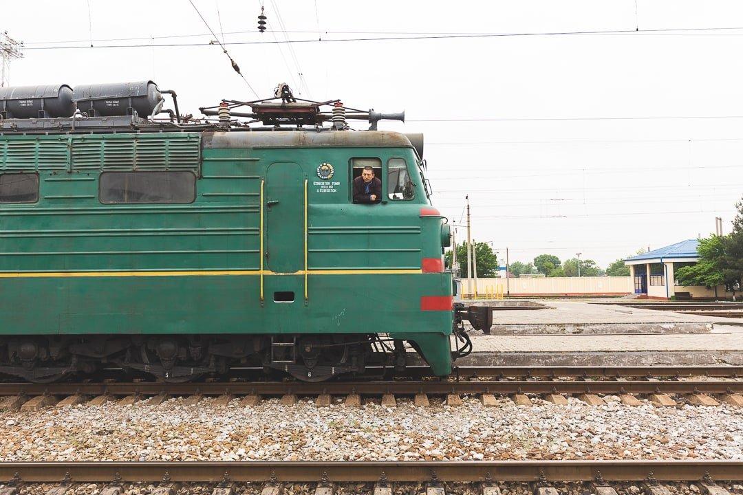 Photo of the slow Soviet train in Uzbekistan. Things to know Uzbekistan travel guide.