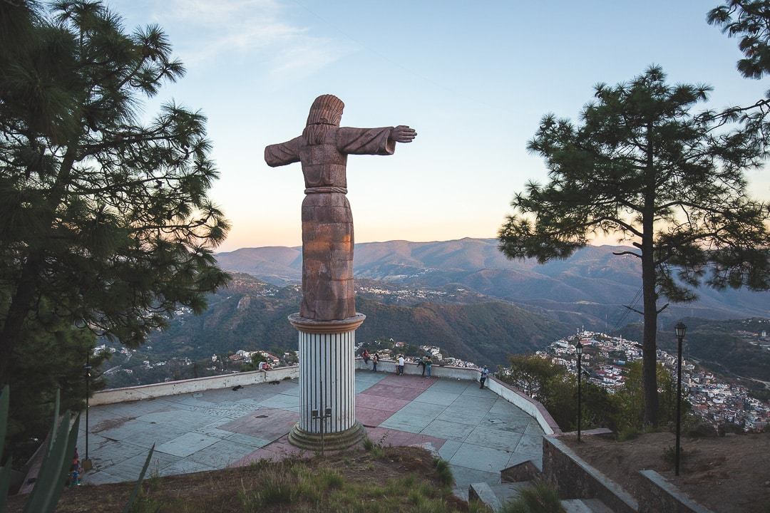 Cristo monumental de Taxco Mexico